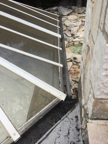 Seamless gutter repair